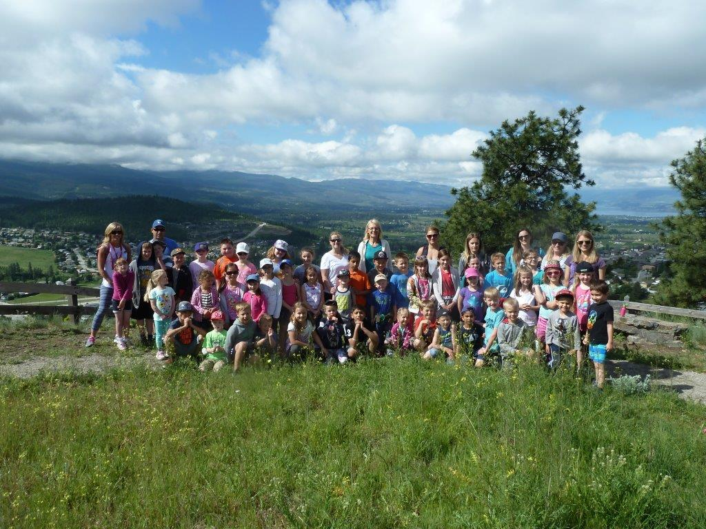"Mrs. Dick's and Mrs. Joyce's students hike to the ""Lookout Loop"""